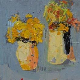 Trzy bukiety żółtych kwiatów